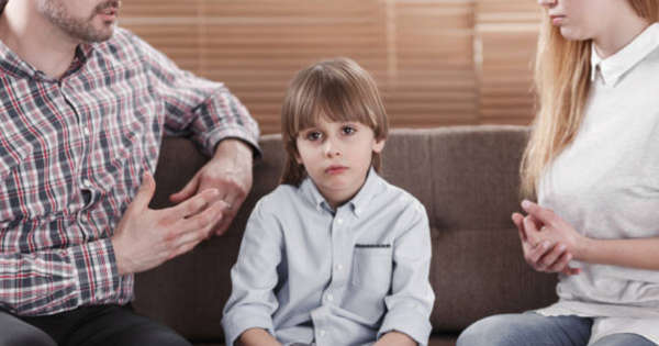 5 Common Toxic Behaviours Parents Accidentaly Engage In